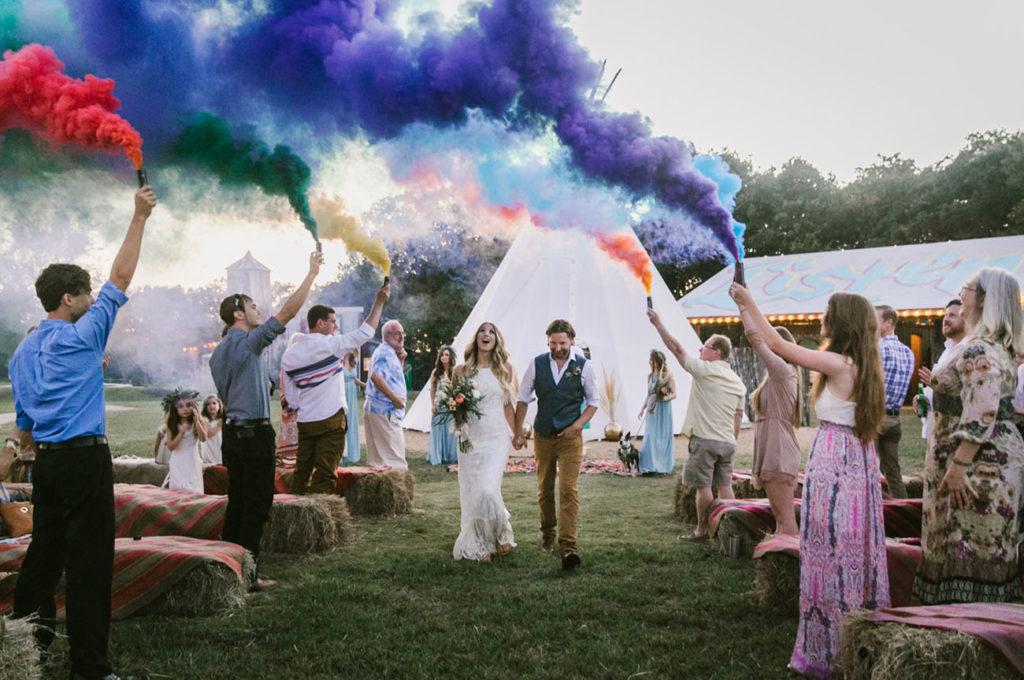 Kolorowy dym na wesele